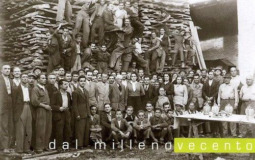 Foto antica lavoratori e progettisti Donati Legnami Spa