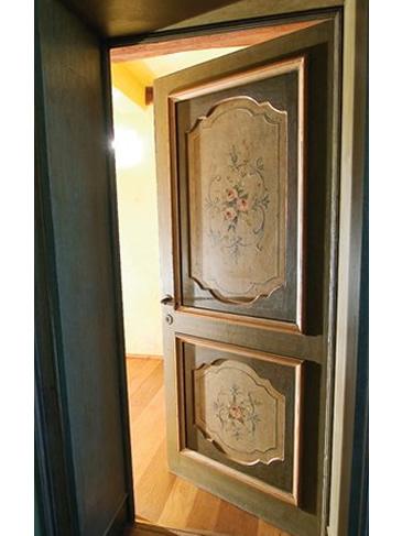 Porta in legno personalizzata